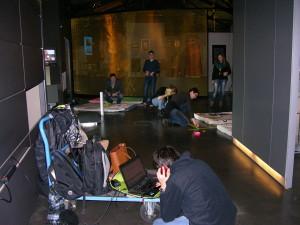 Aufbau vor dem Ausstellungsbereich Migration